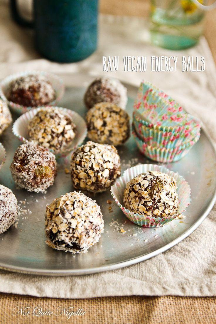 Raw Vegan Chocolate Energy Balls