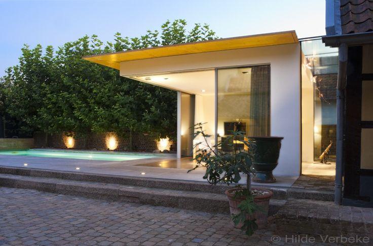 Glasshouse gebouwd aan een geklasseerde woning design veranda met zicht op zwembad de - De mooiste verandas ...
