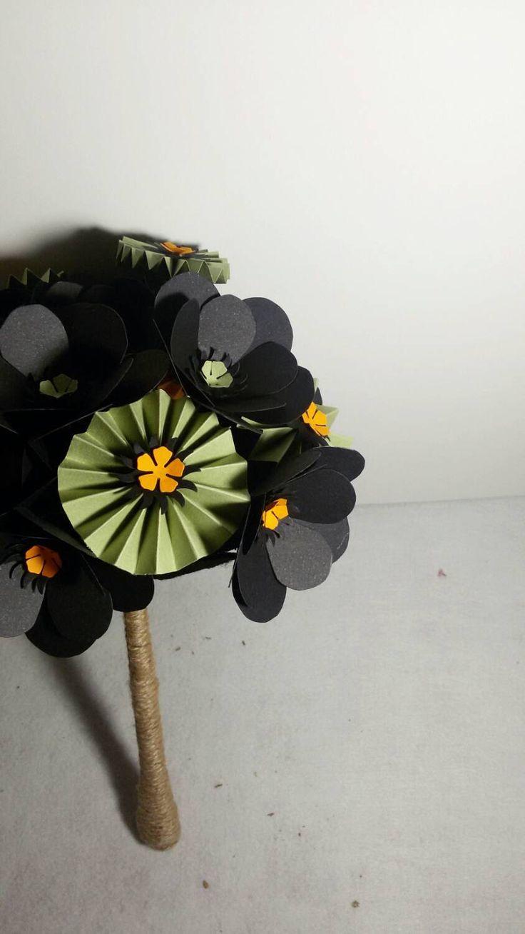 Ramo de flores, bouquet de flores, steampunk, ramo negro, ramo viuda negra, halloween, de KrisalyumShop en Etsy https://www.etsy.com/es/listing/253653532/ramo-de-flores-bouquet-de-flores