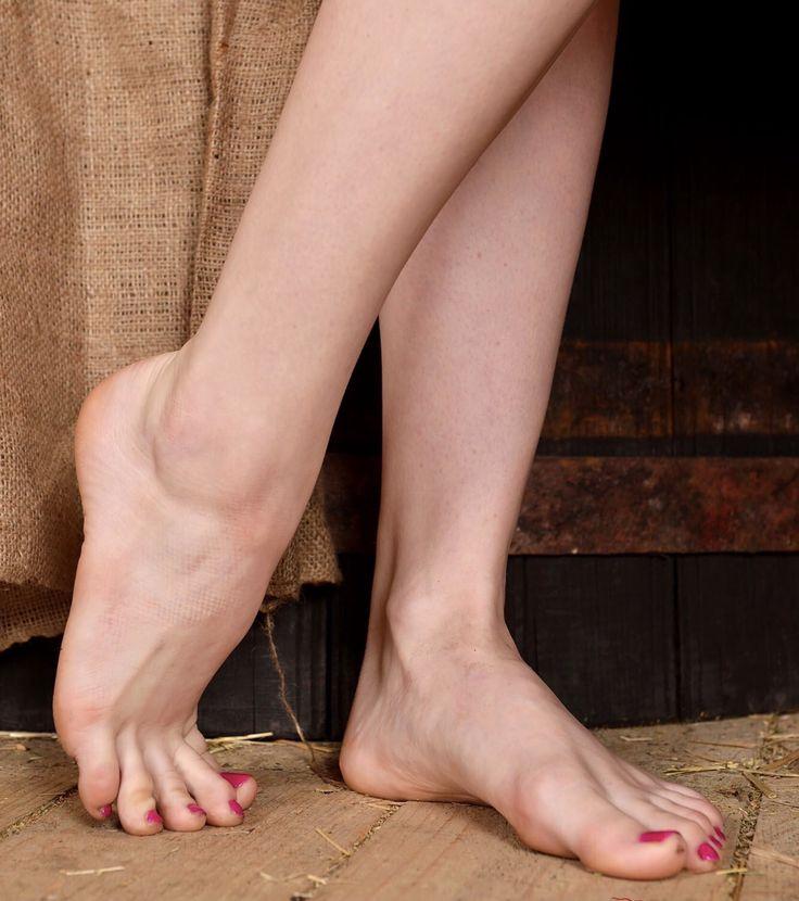 красивые босые женские ножки только видео так