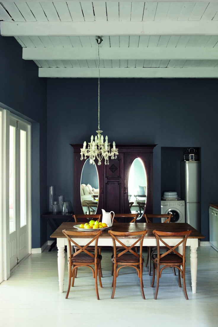 Walls painted with Plascon Cashmere 'Gravel Road' (B5-E1-3)