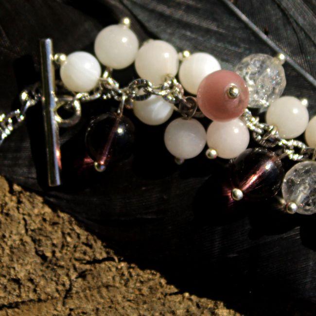Браслет Ручная работа Перламутр, сахарный кварц, кварц, чешское стекло, кошачий глаз, фурнитура под серебро цена-700 руб.  bracelet handmade Mother of Pearl, sugar quartz, quartz, Czech glass, cat's eye, silver-plated fittings price 20 euros.  #браслет, #украшение, #натуральные_камни, #перламутр, #сахарныйкварц, #прованс, #art, #hand_made #style #accessories #jewelry #ручнаяработа #чешское_стекло