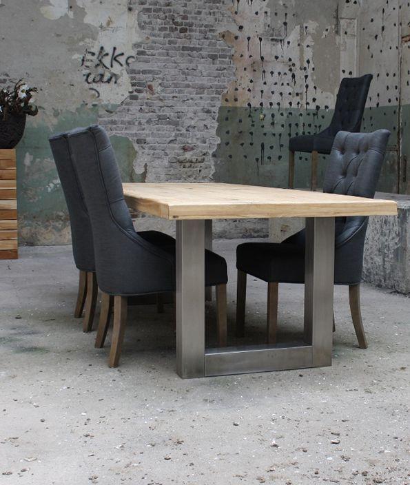 Eiken tafel in landelijke stijl met RVS poot