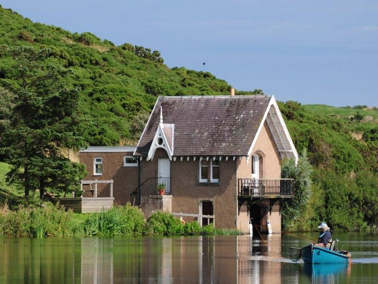 Coldingham Loch Holiday Cottages, Coldingham, Eyemouth, Scottish Borders, Scotland. Holiday. Travel. Dog Friendly. Pet Friendly. Disabled Access. Fishing. https://www.theholidaycottages.co.uk/.