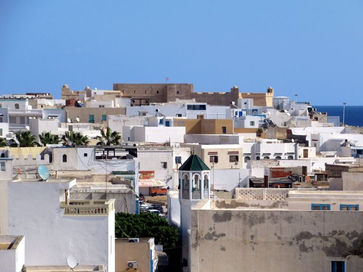 The Borj el Kebir (1559) dominates Mahdia, Tunisia. The city was attacked by the Spanish in the 16th century, followed by the Maltese Knights in the 17th century.