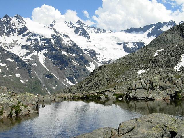 Valle d'aosta - lago di Luason verso il rifugio Sella