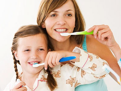why you should brush your teeth When should i brush my teeth brush your teeth for about two minutes last thing at night before you go to bed and on one other occasion every day.