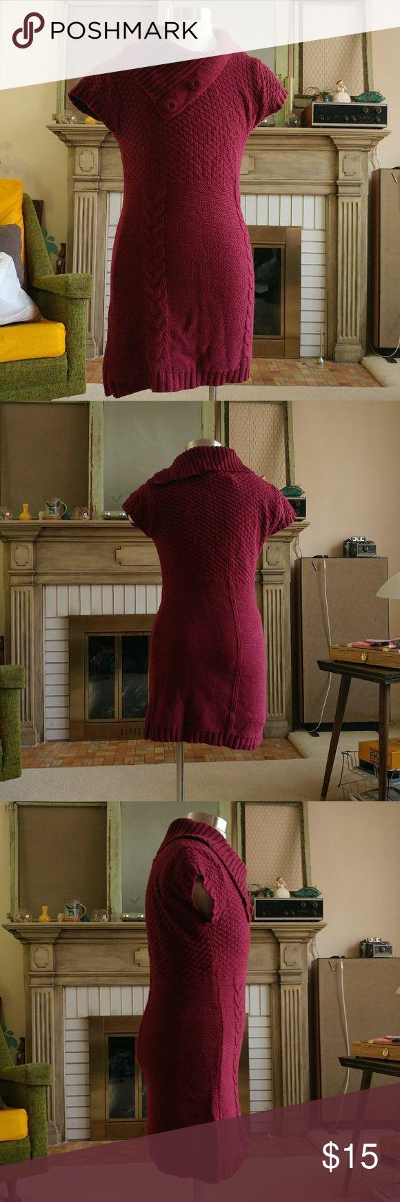 """[Idaisy] maroon sweater tunic/dress/shirt knit Warm knit maroon sweater tunic, babydoll sleeves  Underarm to bottom hem is 20"""" Made dtom 60% cotton 40% acrylic idaisy Tops Tunics"""