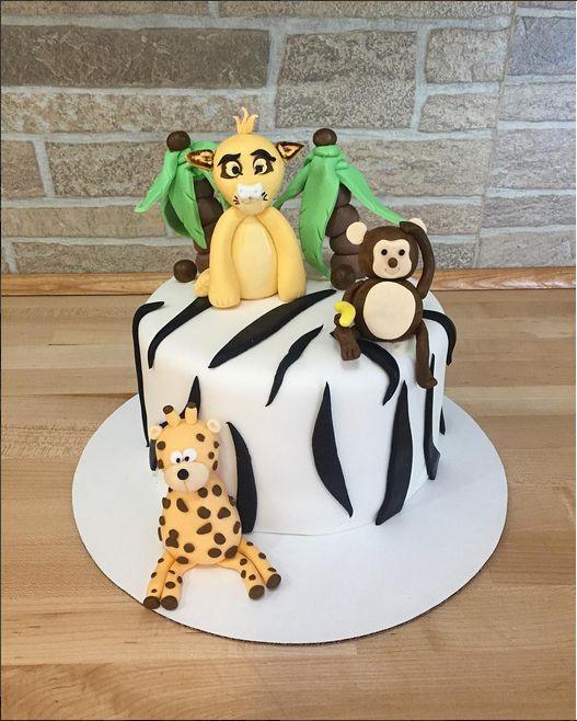 Safari!! #ninasfreshbakery #safari #cake #custom #lion #monkey #giraffe #palmtrees #edible #yummy #scratchmade #madefromscratch #jupiter #juplife #bakery #bakerylife #bake #torta #nina #ninas