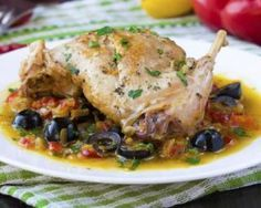 Lapin au poivron et aux olives pour séduire ses beaux-parents : http://www.fourchette-et-bikini.fr/recettes/recettes-minceur/lapin-au-poivron-et-aux-olives-pour-seduire-ses-beaux-parents.html