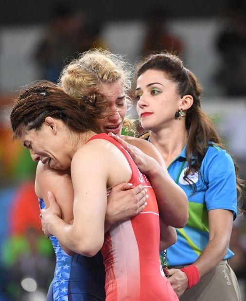 リオデジャネイロ五輪 レスリング女子 53 キロ級決勝で銀メダルを獲得した吉田沙保里選手の涙には日本中がもらい泣き。リオオリンピック 2016
