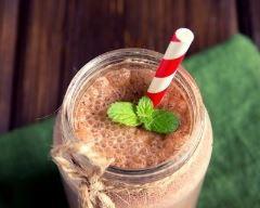 Milkshake au chocolat et au Kinder Pingui® (facile, rapide) - Une recette CuisineAZ