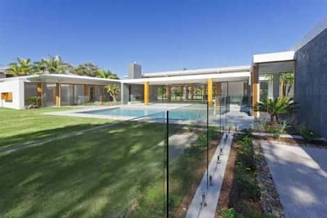 Image result for large single storey home floor plans with pool and courtyard australia