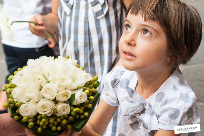 Tanti consigli utili dai fotografi di Qualcosa di Blu per far divertire e sentire importanti i bambini presenti al matrimonio. #wedding #bambini #photo