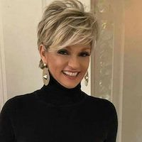 30 Gorgeous Short Hairstyles for Women Over 50