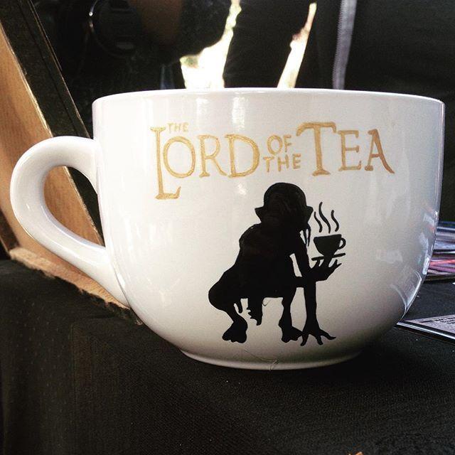 WEBSTA @ de.luto - The Lord of the Tea ☕️#artwork #creation #deluto #gollum #thelordoftherings #thelordofthetea #mug #new #tea