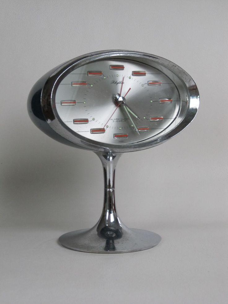Rhythm two 2 jewels alarm clock, stunning space age alarm clock.