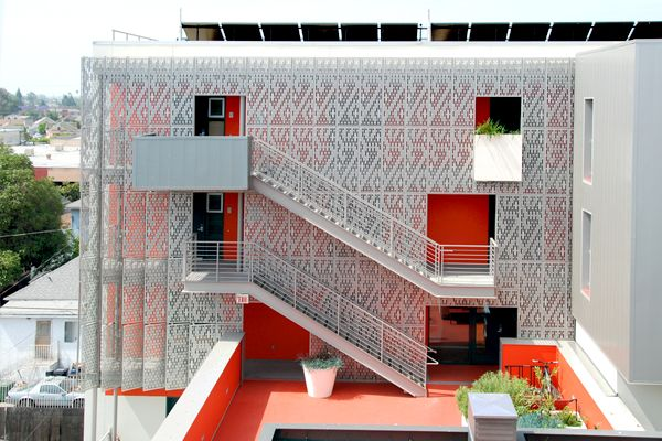 28th St. Apartments - CRL Deluxe Perforated Panel System