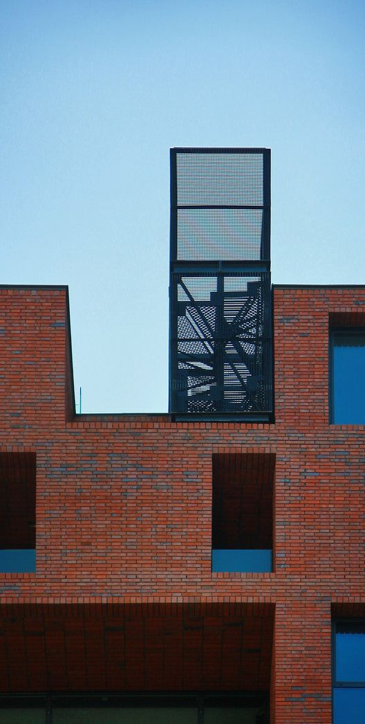Gallery of Red Apple Apartment Building / Aedes Studio - 1 ...