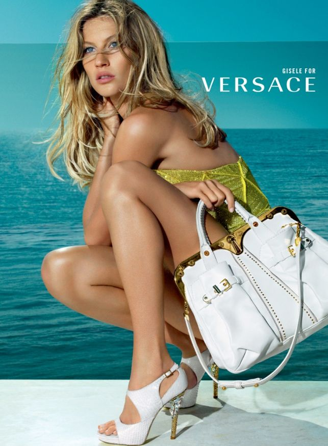 versace spring 2009 ads5 Throwback Thursday | Kate Moss & Gisele Bundchen for Versace Spring 2009 Ads #armcandy