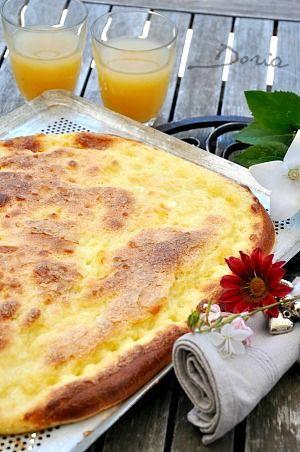 Georges Blanc est toujours resté fidèle à cette recette qu'il détient de son grand-père maternel, boulanger-pâtissier à Vonnas, la trouvant originale par l'utilisation de la crème fouettée en garniture de la pâte à brioche. La pâte à brioche se fait entièrement...