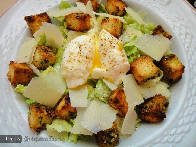 Salata Caesar cu Oua si Crutoane cu Pesto