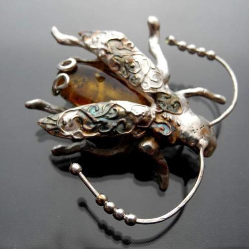 bursztyn,żuk,żuk broszka,owad,robak,insekt - Broszki - Biżuteria w ArsNeo