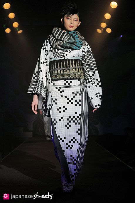 JOTARU SAITO A/W 2012  roppongi, tokyo  AW 2012, girls  Kjeld Duits    Autumn/Winter 2012 Collection of Japanese fashion brand JOTARU SAITO on March 21, 2012, during the Japan Fashion Week in Tokyo.