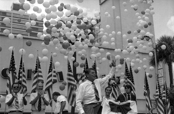 Florida Memory - Ronald Reagan campaigning in Jacksonville during the 1980 presidential election.