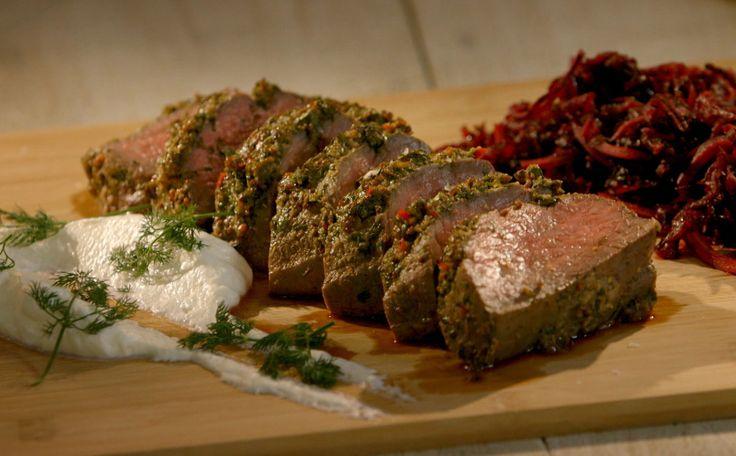 No nosso especial de carnes, o chef Felipe Bronze ensina a fazer um rosbife delicioso!