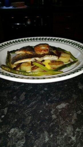 Scallops, asparagus, sea bass, potatoes and mustard mayo. Homemade by my daddy