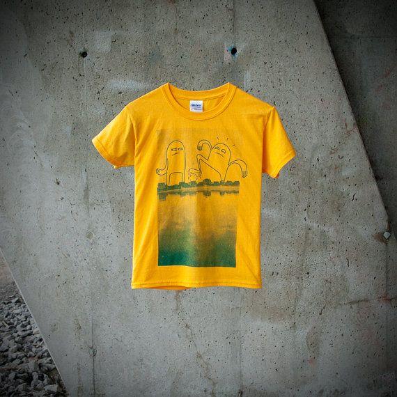 T-shirt Enfant Garçon monstres au village par MoustacheMoutarde