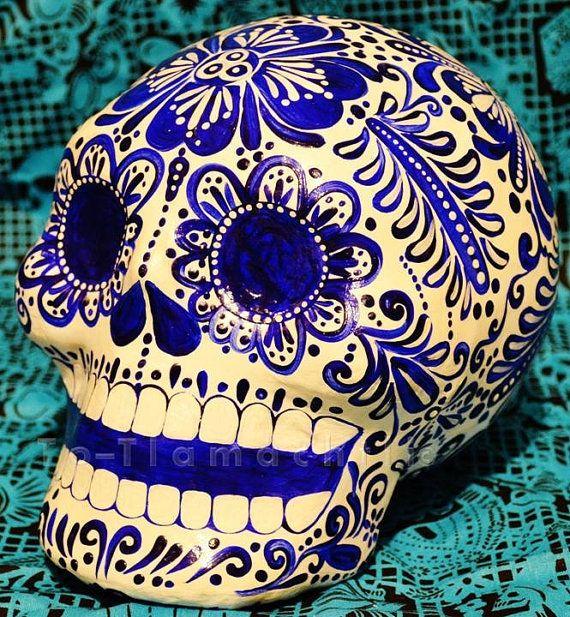 Cráneos de Papel Maché por DaniaElisai en Etsy, $20,00 / calaveras/ dia de muertos