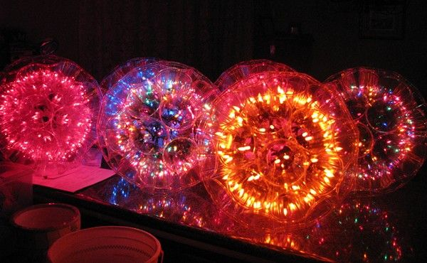 Christmas light decorations made of Solo cups: Sparkle Ball, Plastic Cups, Cups Crafts, Christmas Lights, Outdoor Parties, Lights Ball, Christmas Decor, Easy Diy, Cups Lights