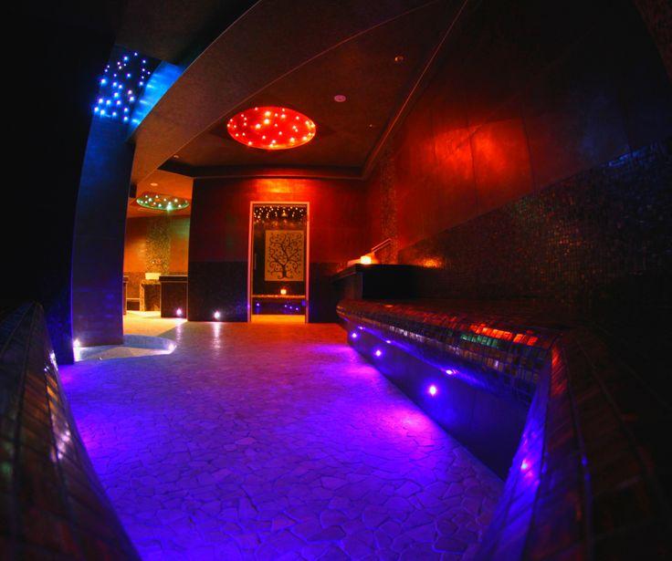 les 79 meilleures images propos de les plus beaux spa de paris sur pinterest pi ces de. Black Bedroom Furniture Sets. Home Design Ideas
