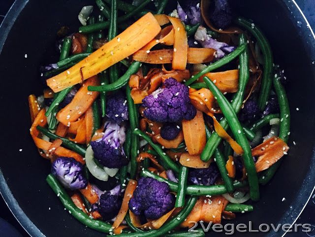 2 VegeLovers: SALAD WITH PURPLE CAULIFLOWER, CARROT AND BEANS