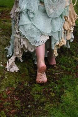 love that she's barefoot.Walks, Skirts, Nature, Company Picnics, Summer Picnics, Barefoot Running, Mothers Earth, Woodland Creatures, The Dresses