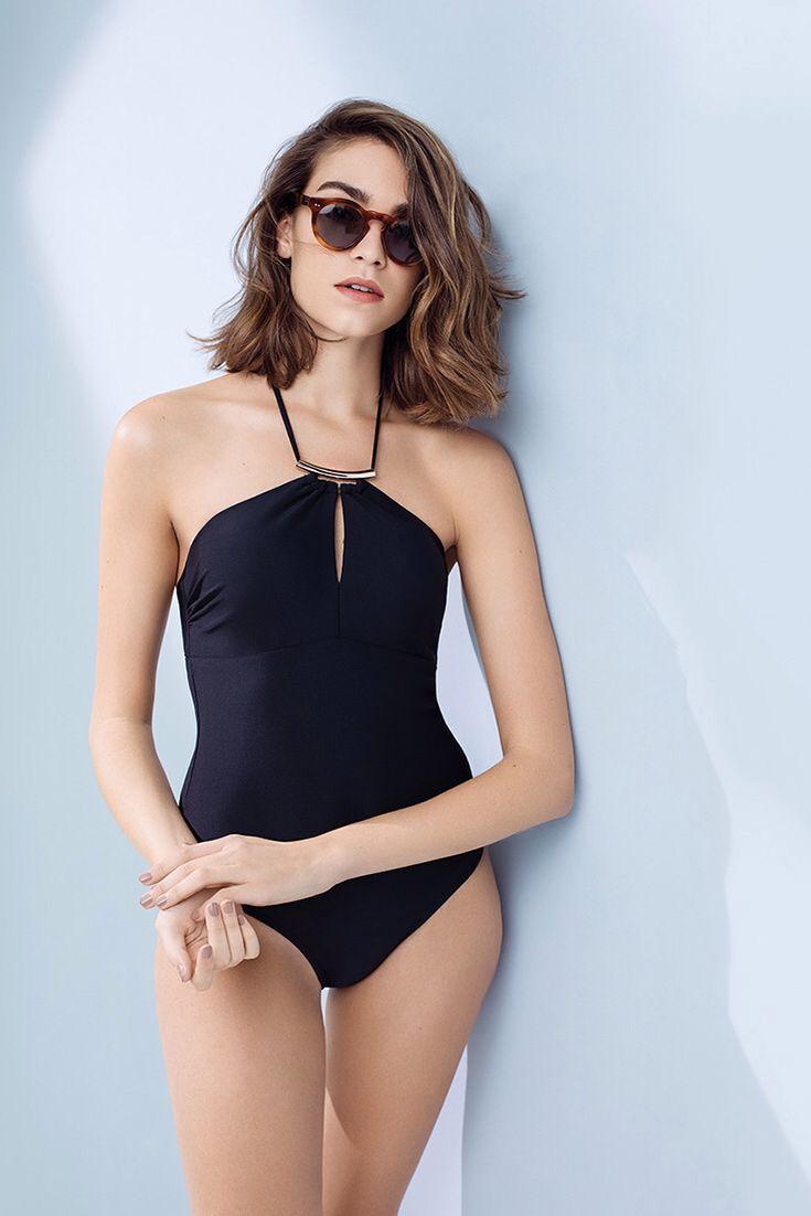 Halter neck swimwear. #swimwear