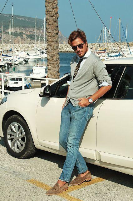 Cardigan | Prada Shirt | Hugo Boss Tie | Primark Jeans | Salsa Watch | Tommy Hilfiger Surf Shack Collection Mocassins | Massimo Dutti Sunglasses | Carrera Car | Renault Fluence