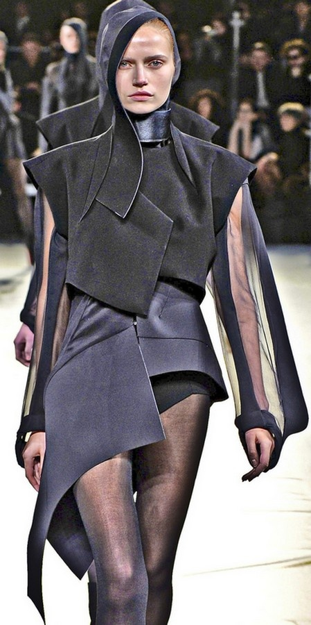 Thierry Mugler  Love the layering and mix and match fabrics