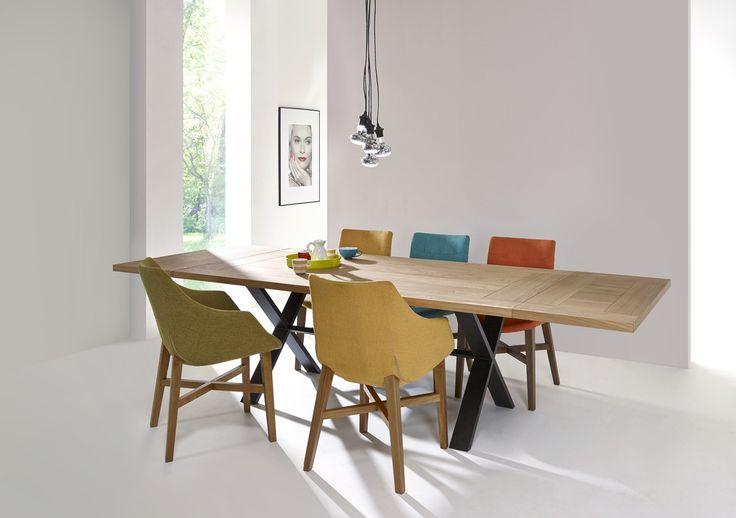 table pied cross dessus chene et pied metal en croix. Black Bedroom Furniture Sets. Home Design Ideas