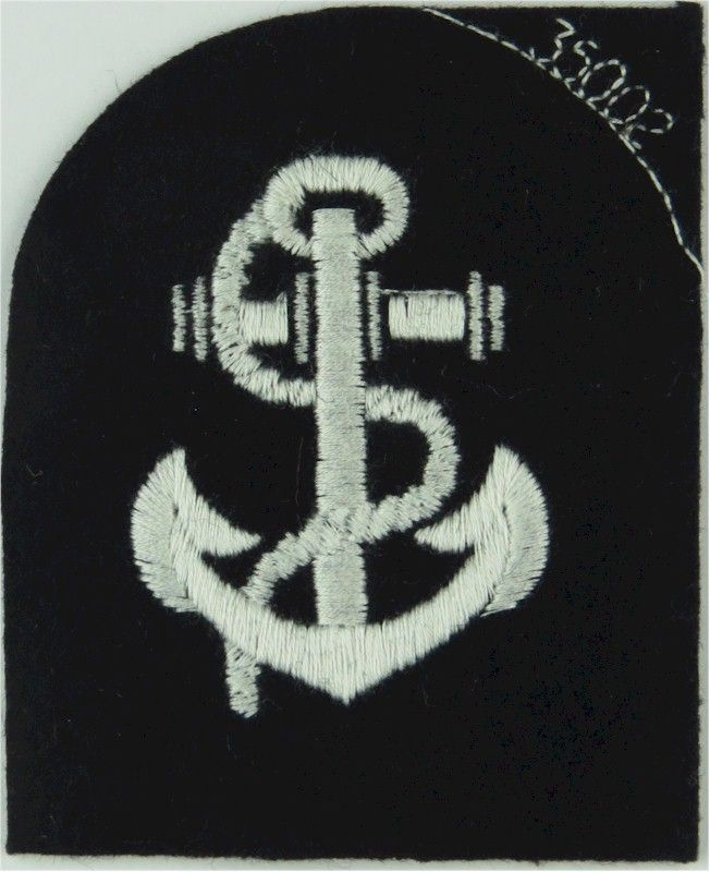 Royal Yacht Leading Rate Rank Badge (Tombstone Shape White On Black Embroidered Naval Branch, rank or miscellaneous insignia