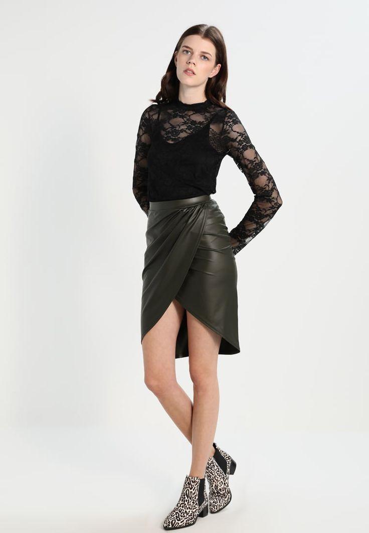 ¡Consigue este tipo de falda cruzada de Missguided ahora! Haz clic para ver los detalles. Envíos gratis a toda España. Missguided Falda cruzada khaki: Missguided Falda cruzada khaki Ofertas   | Material exterior: 98% poliéster, 2% elastano | Ofertas ¡Haz tu pedido   y disfruta de gastos de enví-o gratuitos! (falda cruzada, cruzadas, wraparound, split, gekreuzter rock, falda cruzada, jupe croisée, gonna incrociata, cruzada)