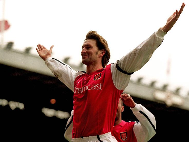 """Tony Adams: """"Play for the name on the front of the shirt, and they'll remember the name on the back."""""""