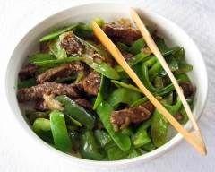 boeuf chinois aux pois mange-tout : http://www.cuisineaz.com/recettes/boeuf-chinois-aux-pois-mange-tout-63052.aspx