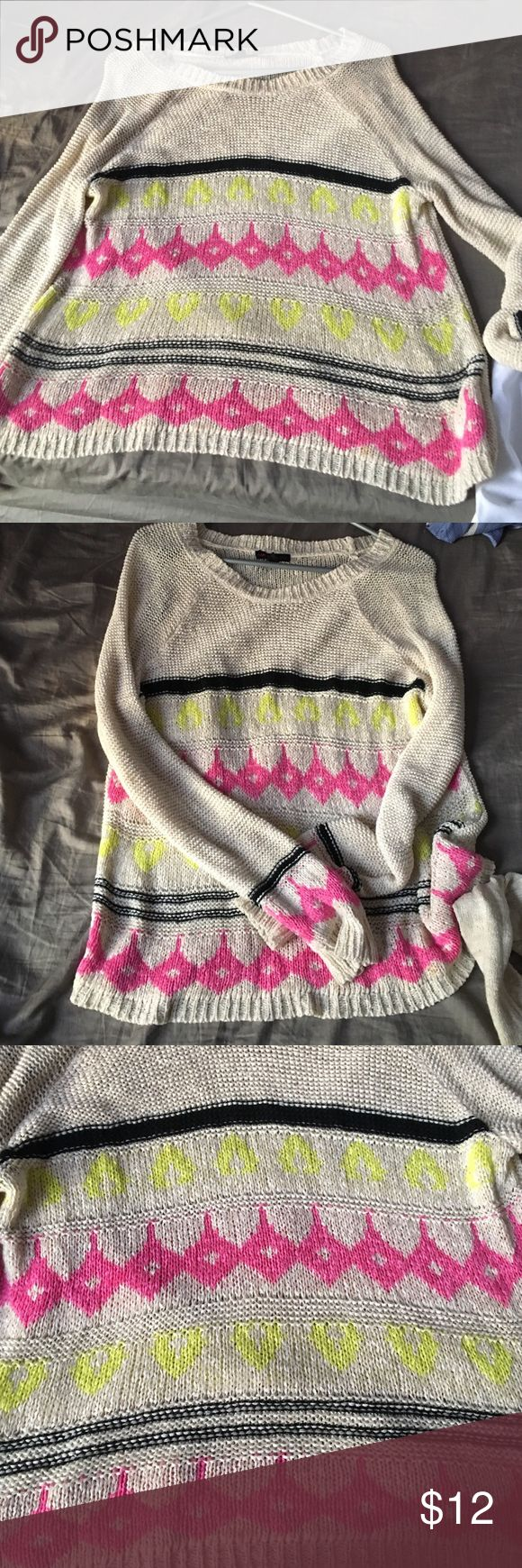 Oversized sweater Cute and comfy oversized sweater. Light material. Worn about 3 times. Material Girl Sweaters