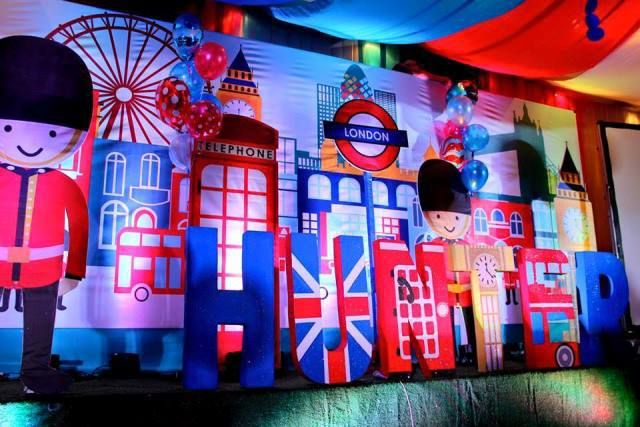 Hunter's British Royal Themed Party – Stage