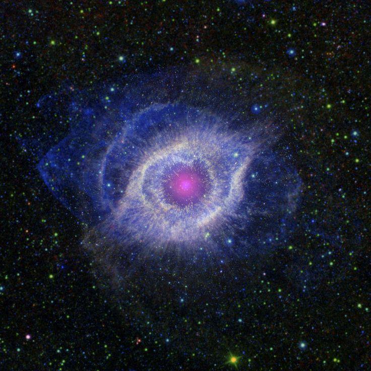 La nébuleuse de l'Hélice (ou NGC 7293).
