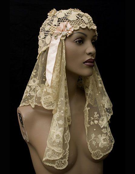 Lace wedding cap 1920. Front sideway: