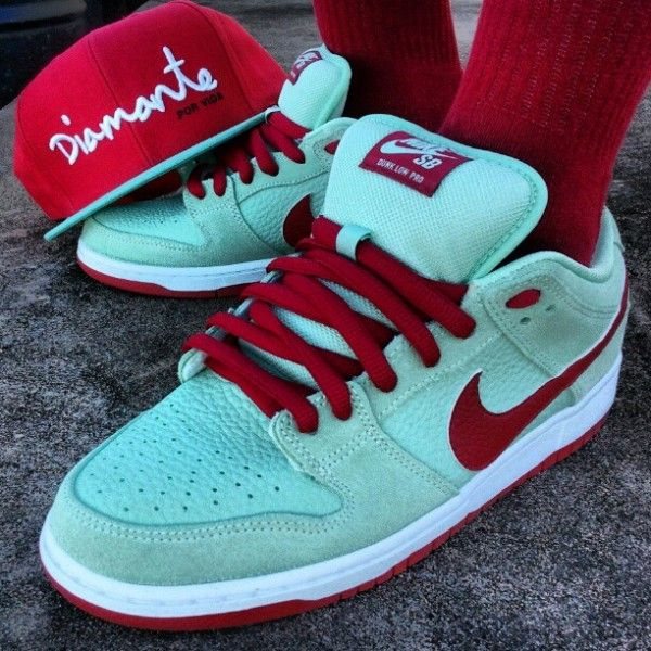 NIke Dunk Low Pro SB Mint Gym Red